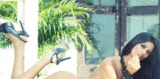 Poonam Pandey Nude Strip