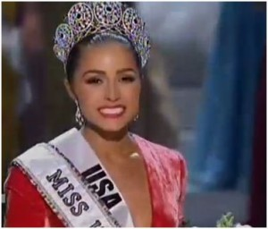 Miss USA Olivia Culpo waves after being crowned Miss Universe 2012.
