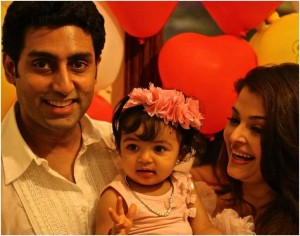 Abhishek and Aishwarya with Aaradhya/facebook