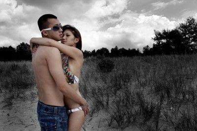 Couple getting intimate/freedigitalphotos