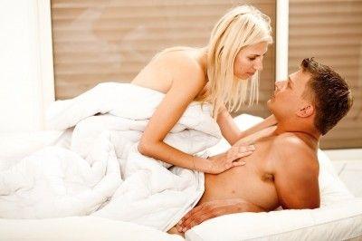 Couple enjoying morning sex/freedigitalphotos