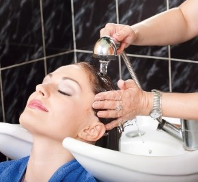 <b>Hair dyes linked to cancer</b>