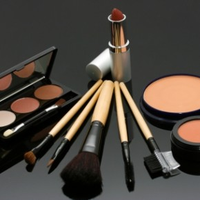 <b>Useful makeup tips (every girl must know...</b>