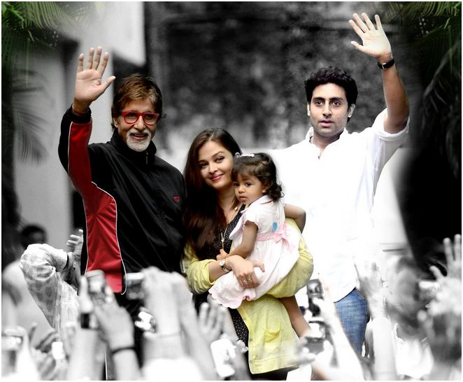 Amitabh Bachchan with Aaradhya, Abhishek and Aishwarya