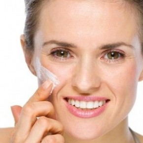 <b>How to apply face cream properly</b>