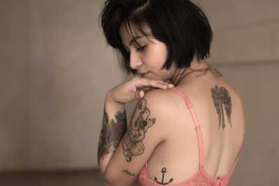 Lady with Tattoos /pixabay