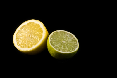 Lemon to whiteheads/freedigitalphotos