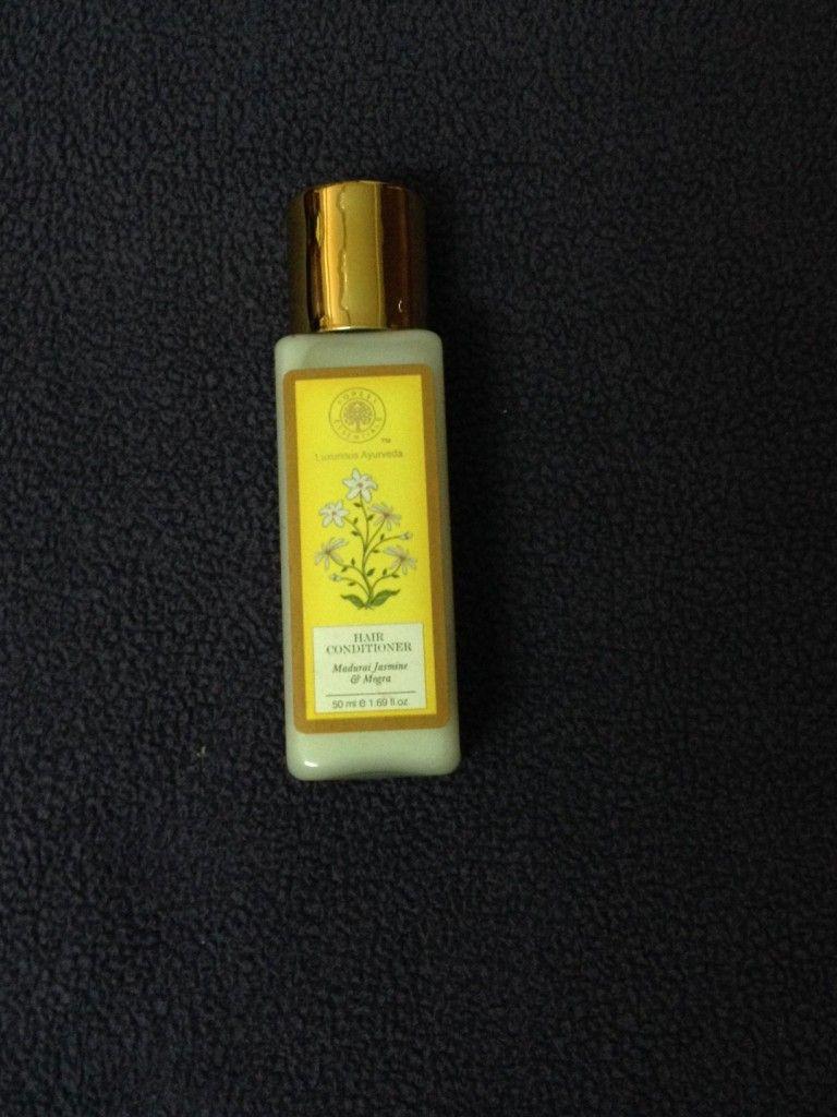 Forest Essentials Madurai Jasmine & Mogra conditioner