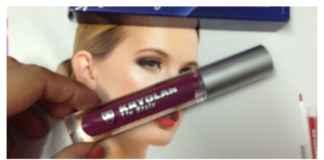 Kryolan lip stain in plum