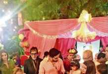 Aaradhya Bachchan cuts the cake