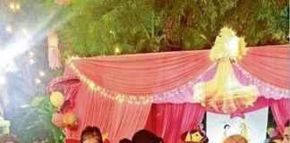 Aaradhya Bachchan cuts the cake