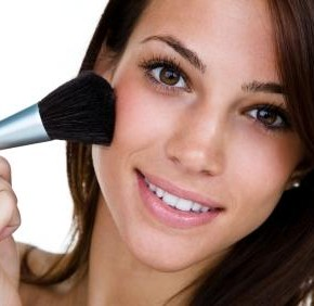 <b>Makeup can boost your love life!</b>