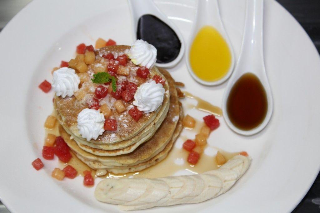 Mix fruit pancakes