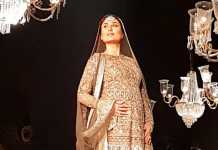 Kareena Kapoor Khan baby bump at LFW finale