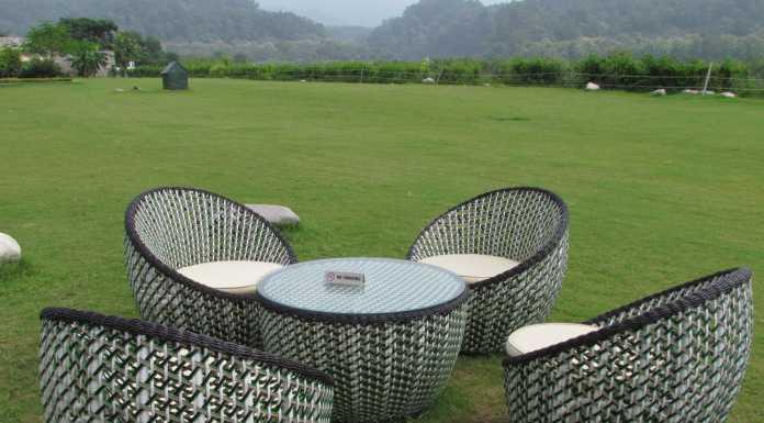Outdoor seating at Namah