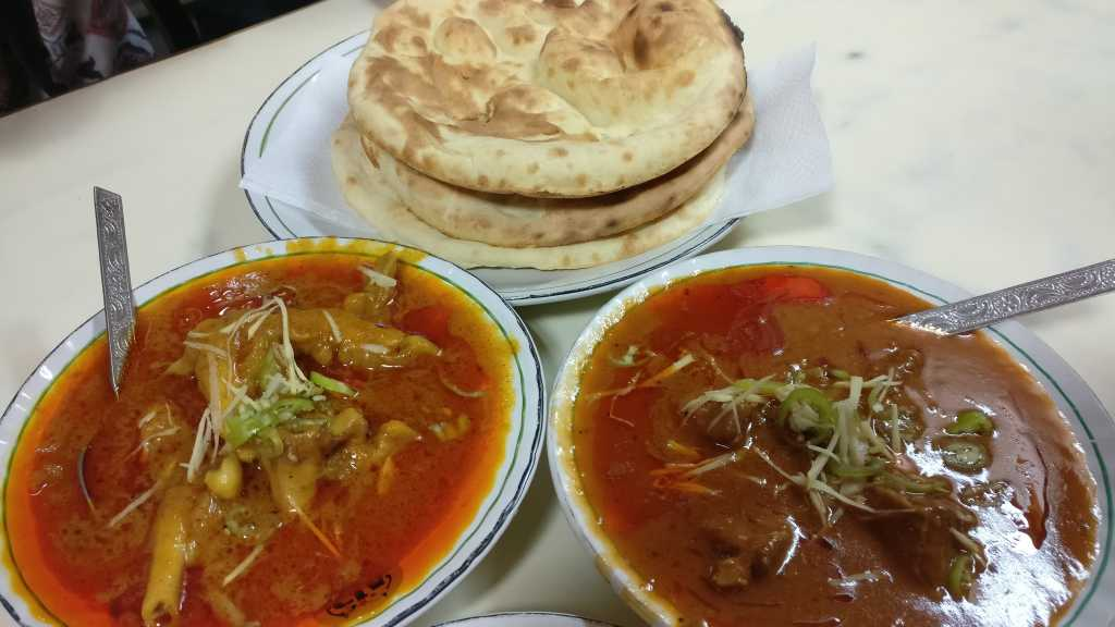 The Mutton nahari and Paya with some traditional Khameri roti