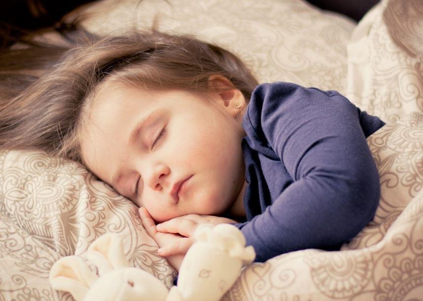 Kid sleeping/pixabay