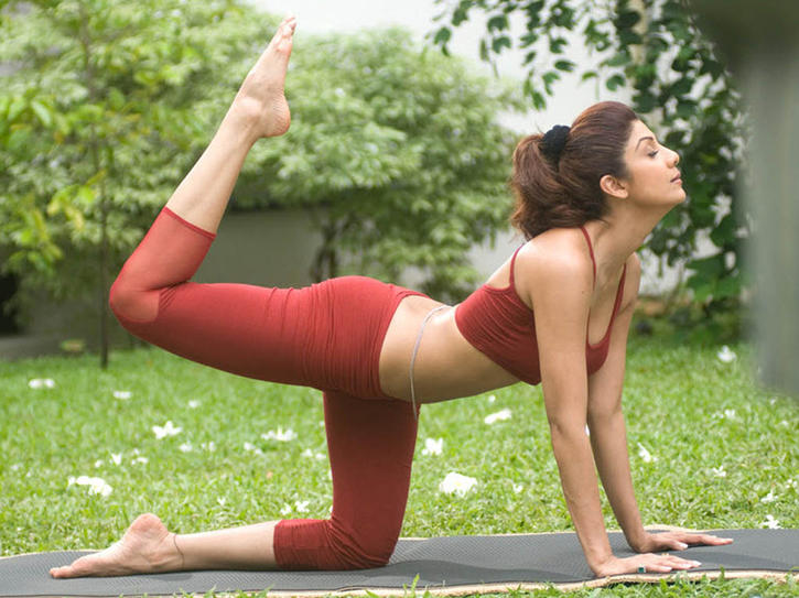 Shlpa Shetty is a yoga follower