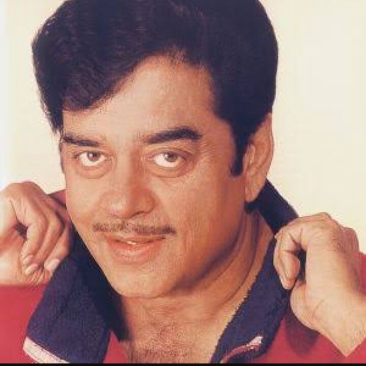 Shatrughan Sinha once called Big B