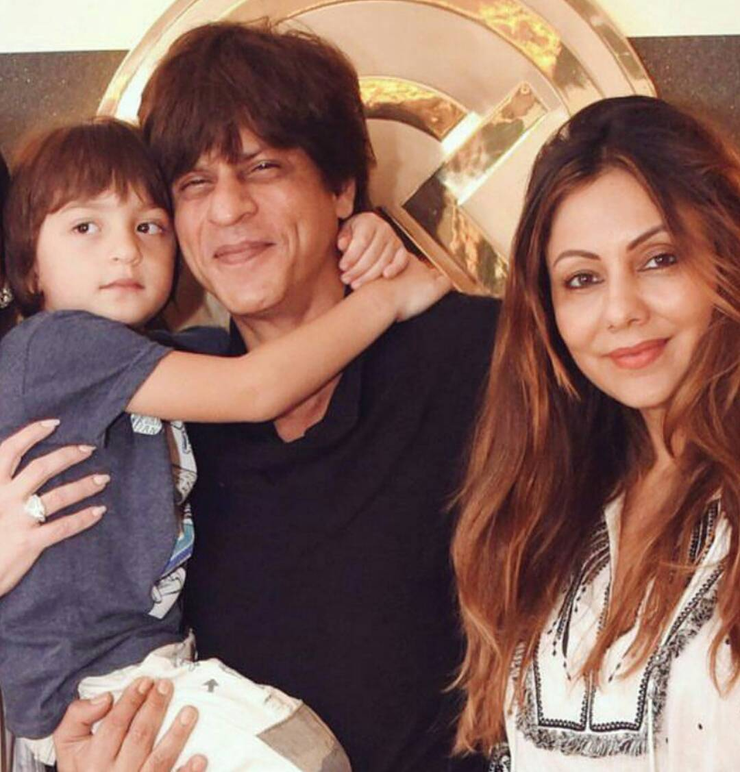 SRK with wife Gauri Khan and younger son Abram