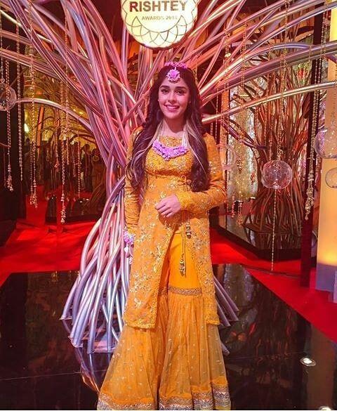 Stars Shine At Zee Rishtey Awards 2018 All About Women