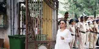 Rani and Aamir Trolled for laughing at Krishna Raj Kapoor's funeral