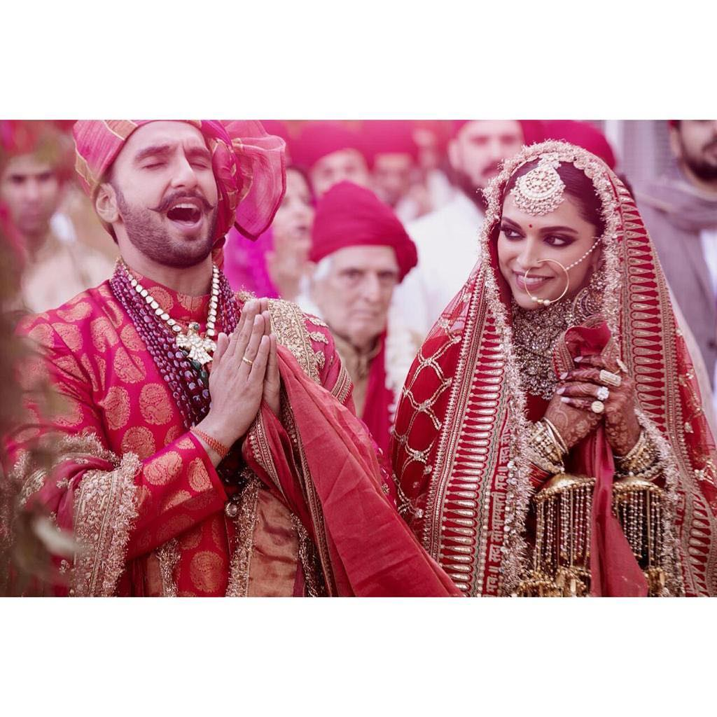 The way Deepika looks at him!