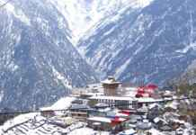 Manali turns into a snowy heaven
