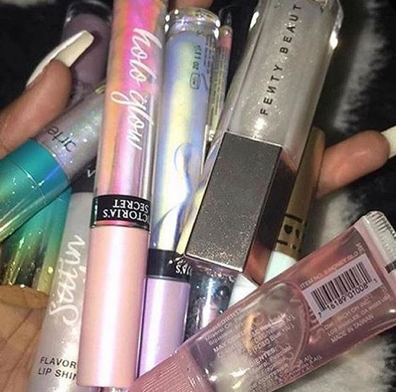 Lip Glosses are Back in Trend!