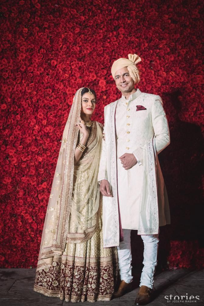 B-Town Divas who gave us golden wear inspo for brides