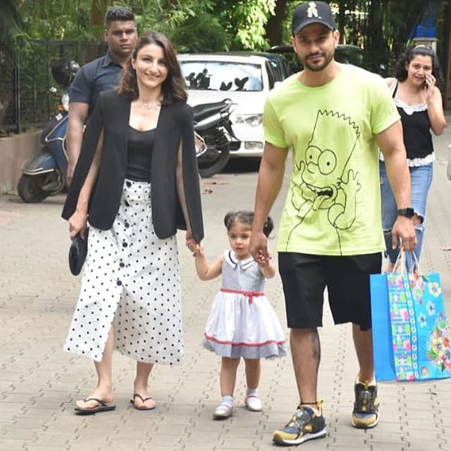 Soha and Kunal with Inaaya